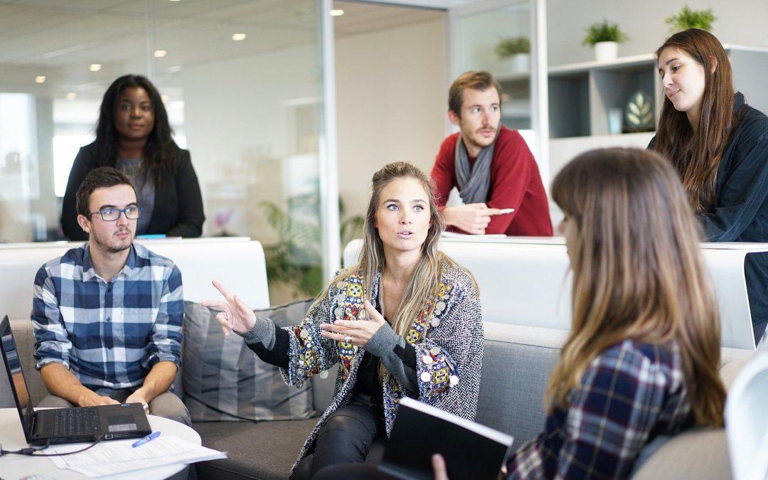 Quais soluções tecnológicas ajudam seus negócios a reduzir a escala de trabalho?